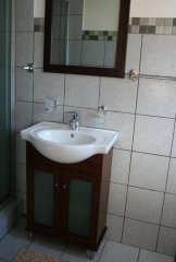 113-on-robberg-room-1-bathroom.jpg