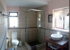 113-on-robberg-room-3-bathroom.jpg