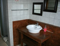 113-on-robberg-room-4-bathroom.jpg