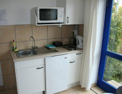 113-on-robberg-room-4-kitchenette.jpg